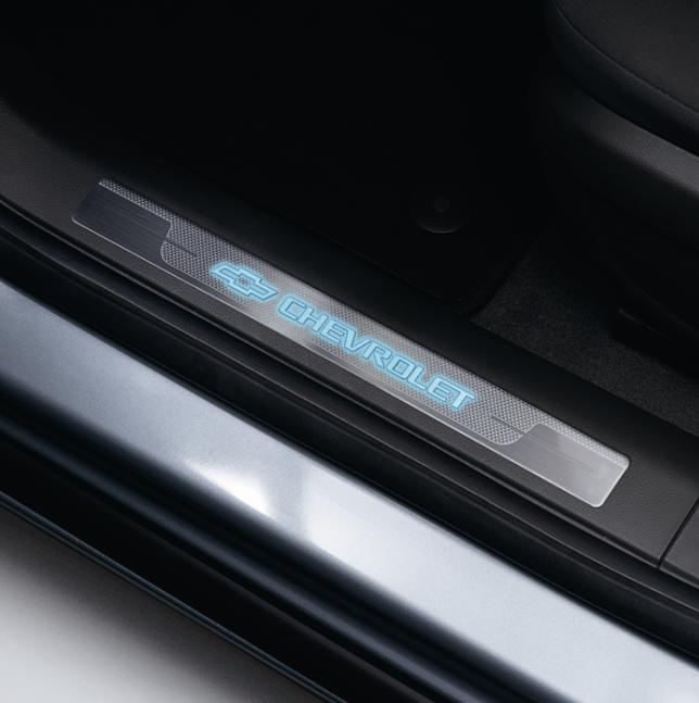 2012 Chevrolet Traverse Interior: Cruze Door Sill Plates Illuminated