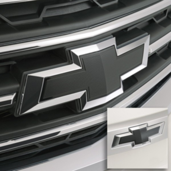 2015 Traverse Bowtie Black Front And Rear 23213446