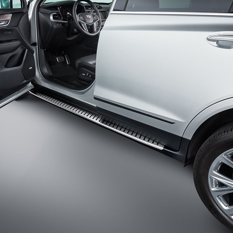 2018 XT5 Assist Steps, Molded